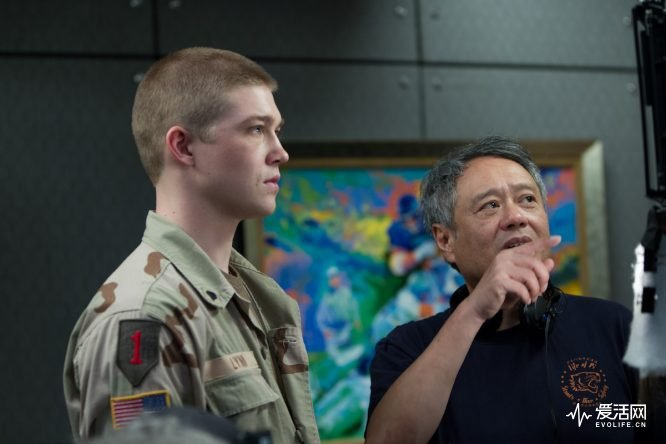 Joe Alwyn and Director Ang Lee on the set of TriStar Pictures' BILLY LYNN'S LONG HALF-TIME WALK.