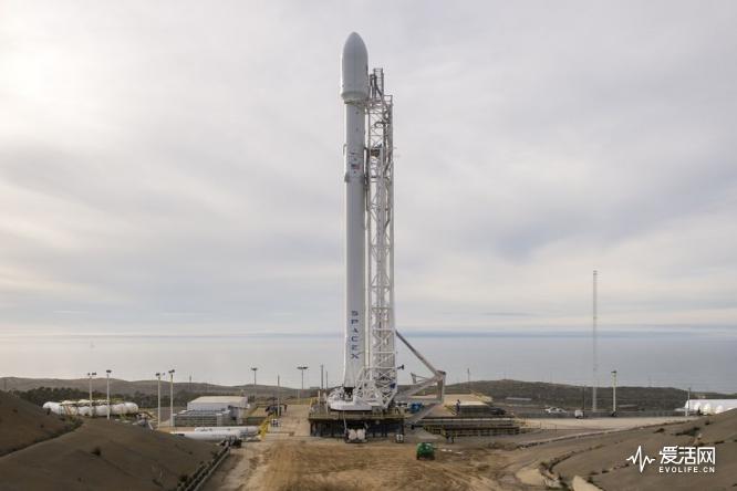 猎鹰再度仰望天空 SpaceX可回收火箭将于14日重回发射台-德州新博科技