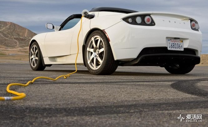 charging-the-2009-tesla-roadster-photo-267967-s-1280x782