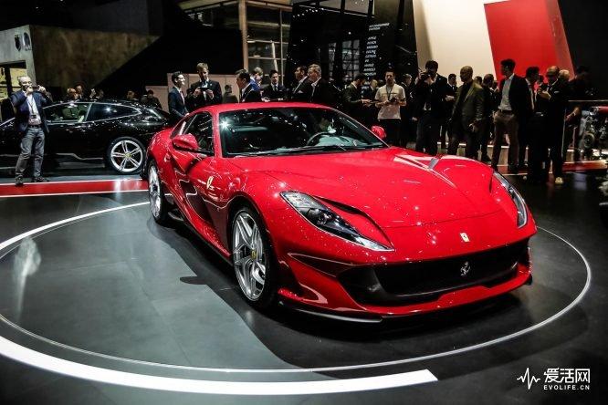 Ferrari-812-Superfast-at-Geneva-2017-13