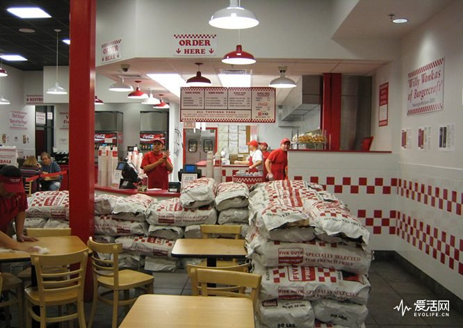 fresh-clean-dining-5-guys-burgers-and-fries