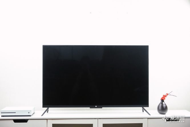 颜值拉高平均分 49寸小米电视4距离年度旗舰还
