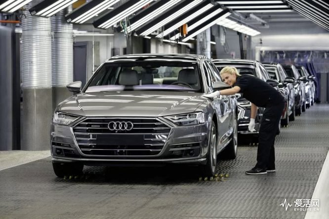 Audi-A8-Production-at-Audi-Neckarsulm