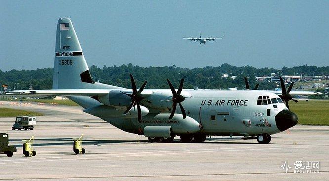 800px-Lockheed_Martin_WC-130J