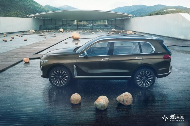 BMW-Concept-X7-side-05