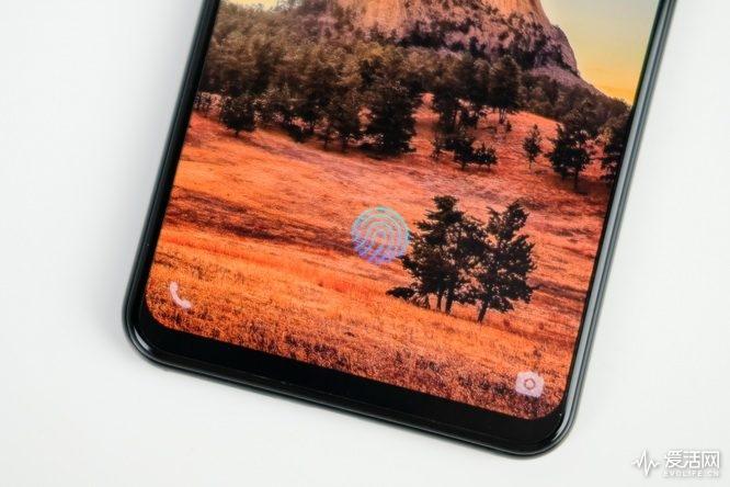 vivo x21锁屏界面除了拍照,还有屏下指纹和电话 galaxy s9和iphone x