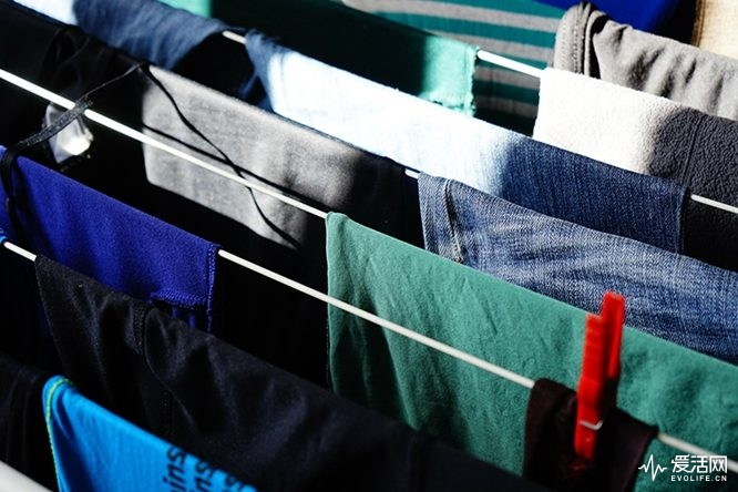 dry-clothes-indoors