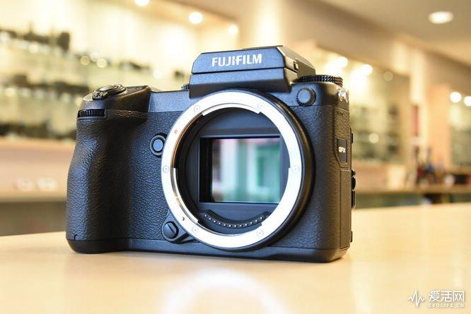 Fuji-GFX-medium-format-camera-26