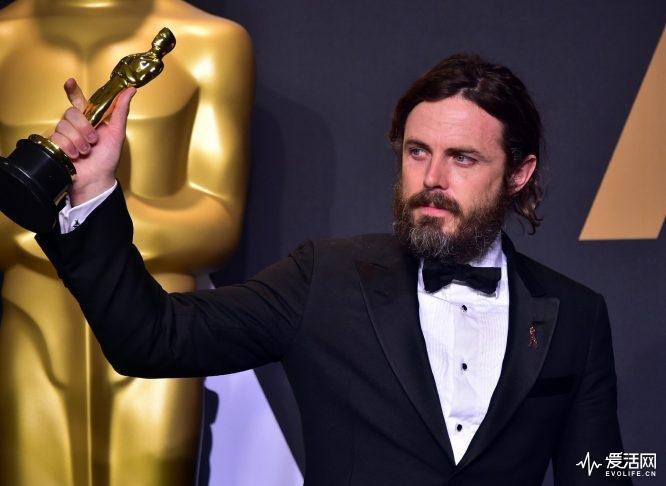Casey-Affleckl-Oscar-meilleur-acteur-Manchester-26-fevrier-2017-Hollywood-Californie_6_1398_1021
