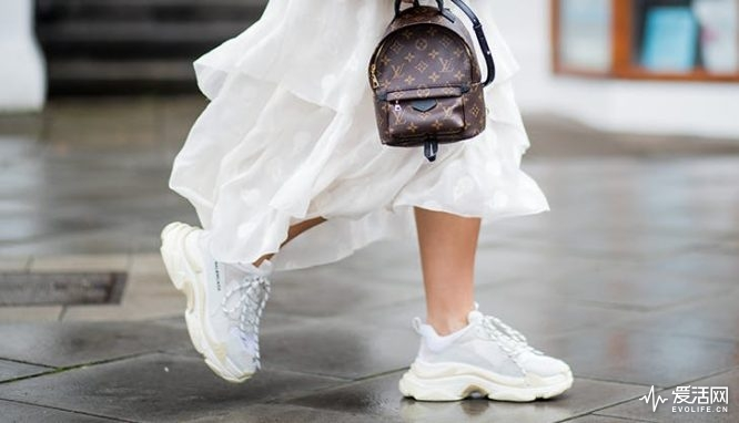ugly_clunky_dad_shoes_sneaker_trends_in_2018