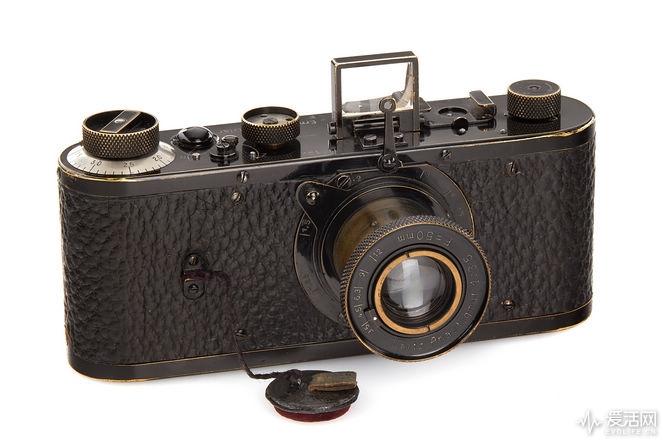 001_Leica_0_Serie_02