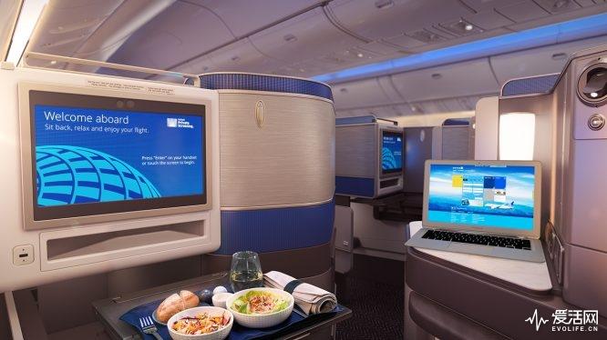 美联航777舱内