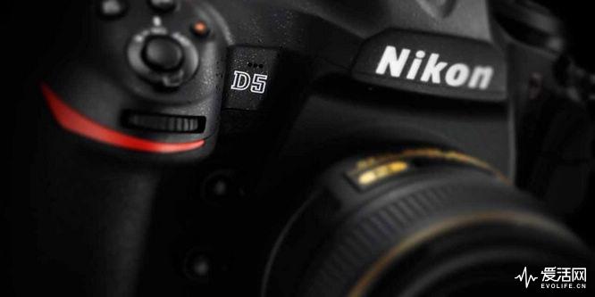 Nikon_D5_Hero