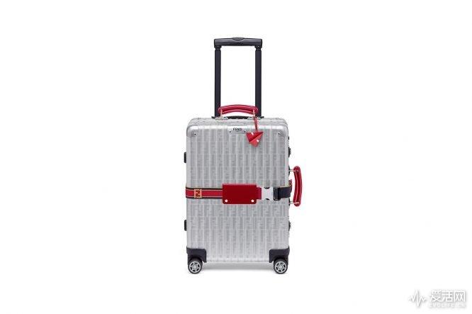 rimowa-fendi-red-blue-aluminum-cabin-trolley-01