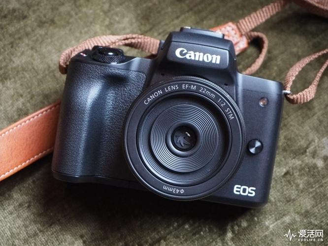 1000-Canon-EOS-M50-Black-2_1519289103