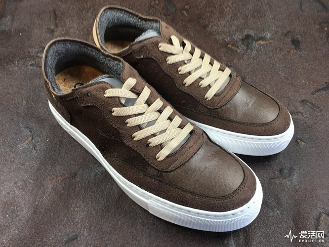 nat-2_Coffee_Sneaker_Line_1_1024x1024