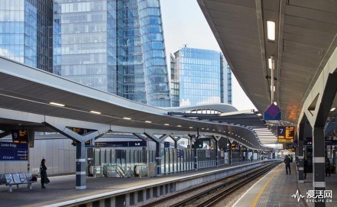 10085_london_bridge_station_n3