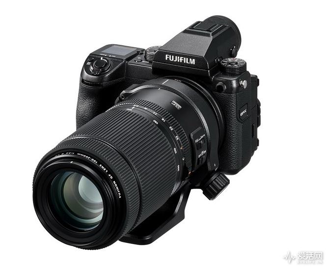 GFX_50S_Oblique+GF100-200mm