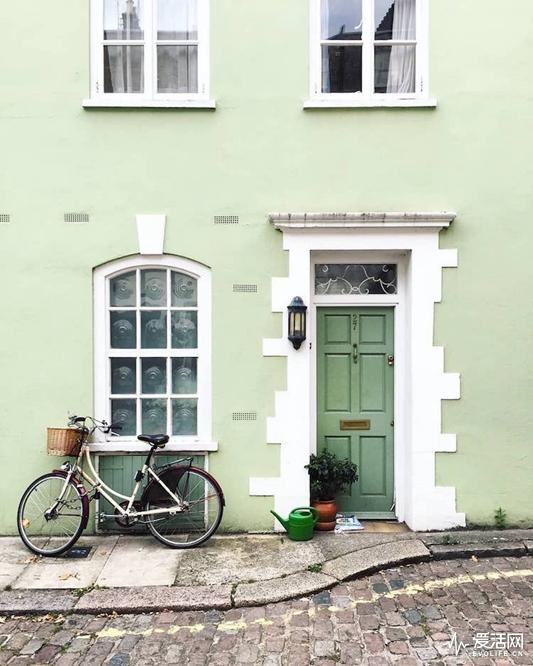london-front-door-colors-bella-foxwell-7
