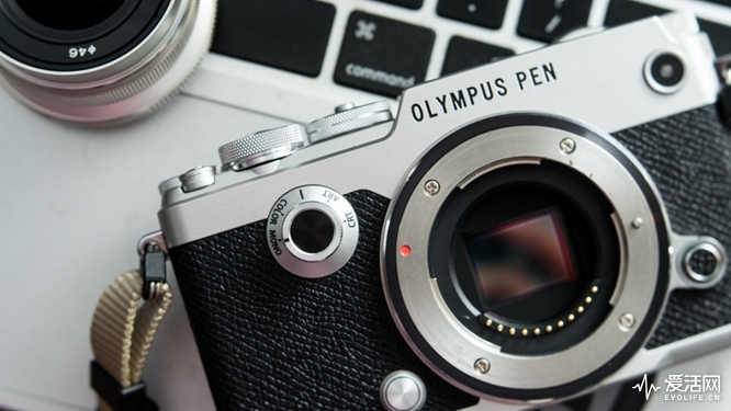 olympus-pen-f-body-2_image