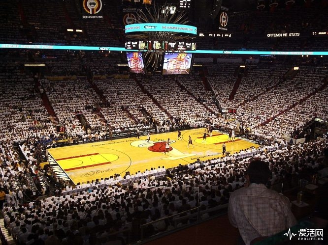 1200px-Game_3_of_the_2006_NBA_Finals