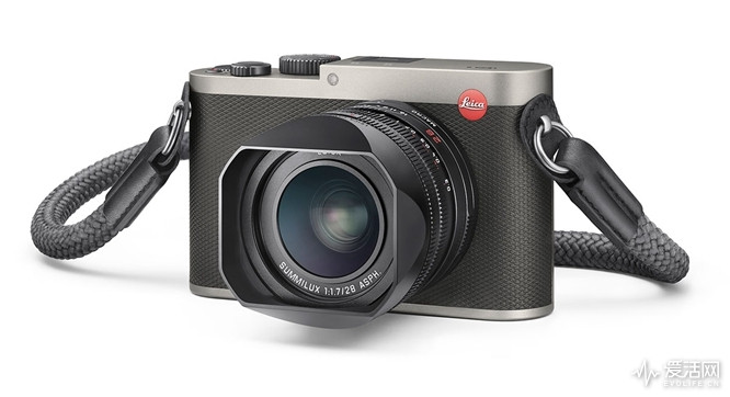 Leica-Q-Titanium-gray-camera-1