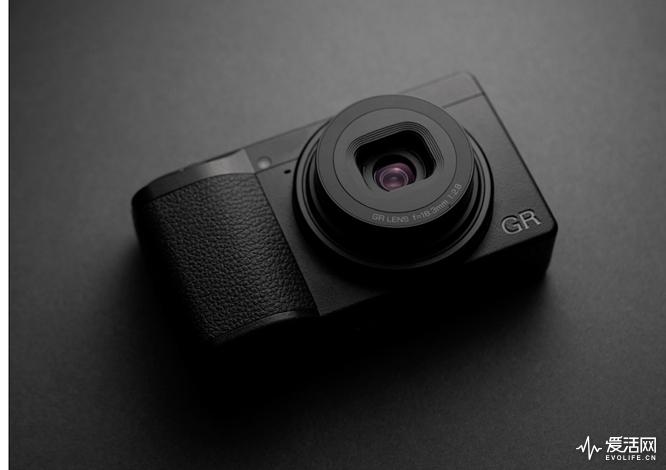 Ricoh-GR-III-camera-14