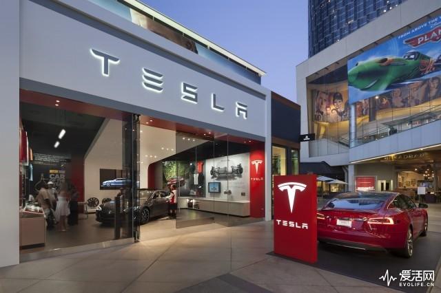 tesla-store-los-angeles-photo-misha-bruk-mbh-architects_100449434_m