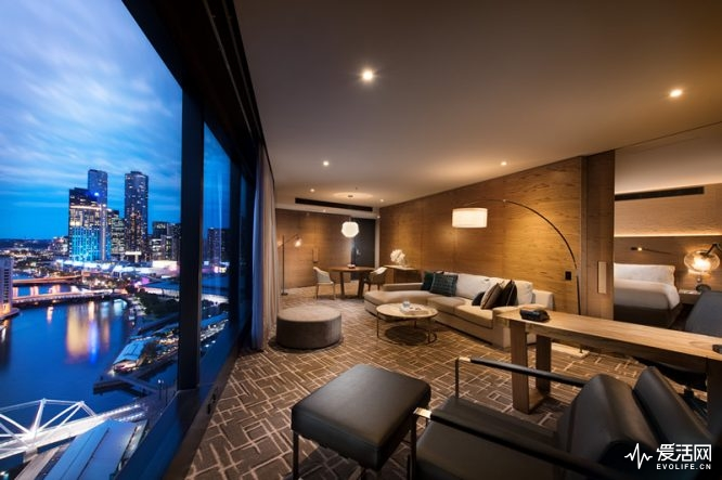 Pan-Pacific-Melbourne-Yarra-Suite-City-View_副本