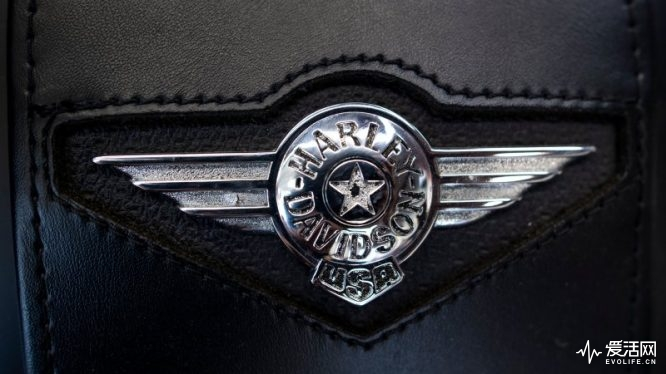The Harley-Davidson emblem is seen at a dealership in Shanghai on August 24, 2018. - From Harley-Davidson motorcycles and US bourbon to Chinese parts and machinery, the world's two largest economies have exchanged punitive tariffs that slice through a wide swath of products. As of August 23, the US is charging 25-percent import duties on an additional 16 billion USD in Chinese products, bringing the total to over 1,000 items valued at about 50 billion USD in trade a year. (Photo by Johannes EISELE / AFP) (Photo credit should read JOHANNES EISELE/AFP/Getty Images)