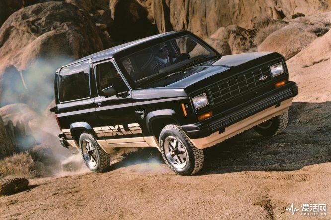 1984-Ford-Bronco-II-02