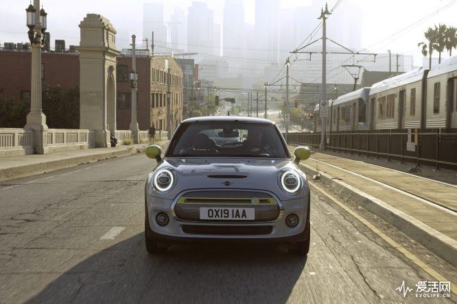 mini-cooper-se-2020-el-modelo-100-electrico-llega-con-hasta-270-km-de-autonomia-44