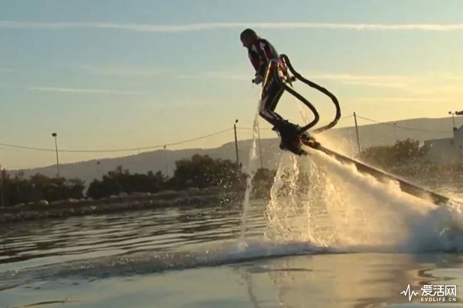 flyboard_water_jetboots_640w