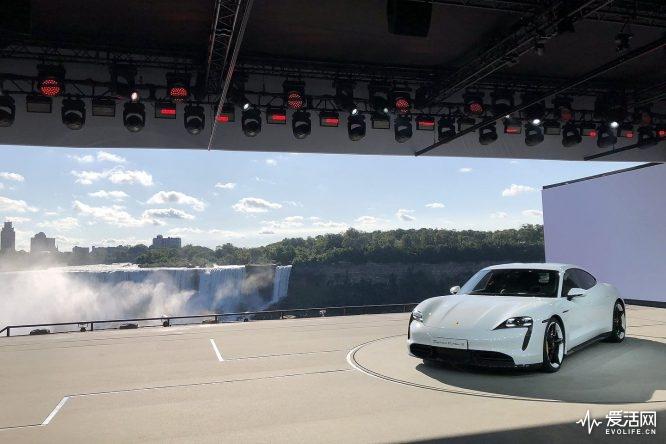 2020-Porsche-Taycan-13410