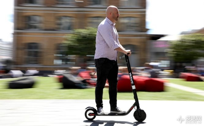 Electric-scooter-trial-01