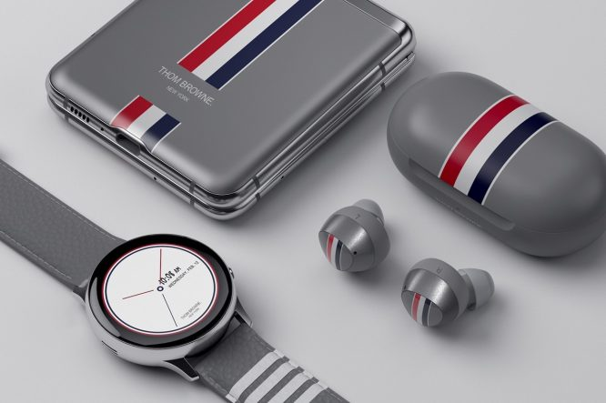 https---hypebeast.com-wp-content-blogs.dir-4-files-2020-02-samsung-unpacked-galaxy-z-flip-thom-browne-2